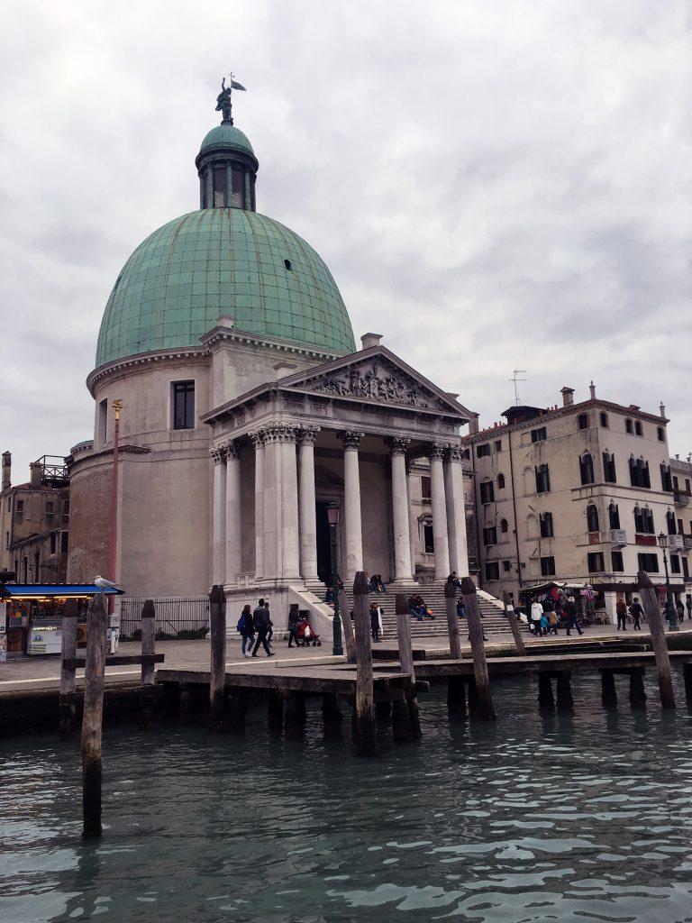 Venedig består av sex stadsdelar. Var ska man bo?